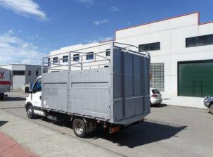 EspecialGanaderos_0007_arreglo camion ganadero 3